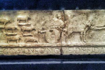 Scena di transumanza in pietra